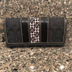 Coach Big Wallet - Black and White